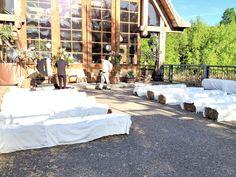 Botte de foin comme banc de cérémonie? Hay balls seating for the ceremony?
