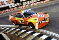 Sam Posey / Hervé Poulain / Jean Guichet (BMW 3.0 CS) - 24 Heures du Mans 1975 ''décorée par Alexander Calder'' - Carros e Pilotos.