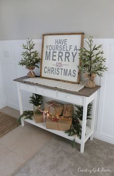 32 Fresh Festive Christmas Entryway Decorating Ideas - Page 3 of 32 - newyearfairys. Merry Little Christmas, Noel Christmas, Christmas Signs, Christmas Decorations, Christmas 2017, Xmas, Christmas Stocking, Christmas Entryway, Farmhouse Christmas Decor
