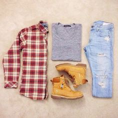 Flannel and ripped denim, Timbs