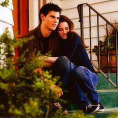 Jacob & Bella. A deleted scene. This actually looks really cute.
