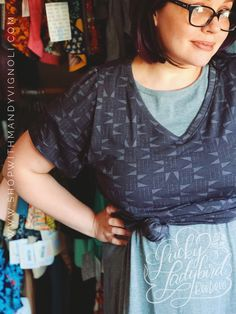 Have you tried the new #lularoechristyt yet? Come check them out at www.shopwithmandyvignoli.com #PLUSSIZE #KNOTTYT #VNECK #LULAROE