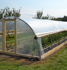 How to make the small greenhouse? There are some tempting seven basic steps to make the small greenhouse to beautify your garden. Greenhouse Film, Diy Greenhouse Plans, Outdoor Greenhouse, Cheap Greenhouse, Greenhouse Effect, Backyard Greenhouse, Greenhouse Wedding, Portable Greenhouse, Homemade Greenhouse