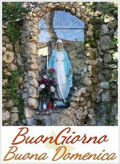 Buona Domenica con la Madonna 2 - BuongiornoCgonGesu.it Mother Mary, Madonna, Good Morning, Outdoor Structures, Plants, Good Day, Buen Dia, Virgin Mary, Bonjour