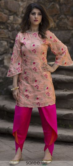 Coral pink silk embroidered kurti with tulip pant - Coral pink silk embroidered kurti with tulip pant Source by sareecom_india - Salwar Designs, Silk Kurti Designs, Sari Blouse Designs, Kurta Designs Women, Kurti Designs Party Wear, Kurti Sleeves Design, Sleeves Designs For Dresses, Kurta Neck Design, Designer Party Wear Dresses