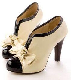Vintage Schuh mit Schleife