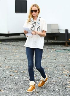 The Shearling Boots You Need to Stay Chic All Winter Long — Kate Bosworth Style Celebrity Jeans, Celebrity Style, Celebrity Beauty, Fall Fashion Trends, Autumn Fashion, Kate Bosworth Style, Shearling Boots, Fashion Articles, Casual T Shirts