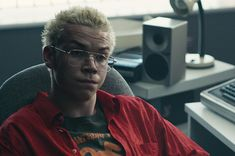 """Black Mirror: Bandersnatch"" Star Will Poulter Said Hes Stepping Back From Social Media After Online Criticism Will Poulter, Cool Diy, Easy Diy, Never Not Funny, Mental Health News, Fionn Whitehead, Wrong Number Texts, Funny Marvel Memes, Black Mirror"