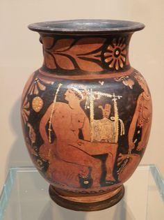 Explore Following Hadrian photos on Flickr. Following Hadrian has uploaded 26921… Ancient Greek Art, Ancient Rome, Ancient Greece, Greek Pottery, Traditional Japanese Art, Black Figure, Pottery Making, Prehistoric, Milano