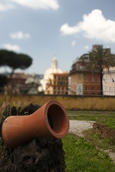 Small Yoyo, terracotta outdoor sound module by Architettura Sonora