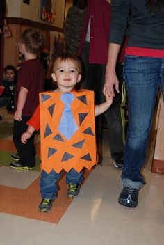 Paper bag Fred Flintstone costume for a kid! Diy Halloween Costumes, Halloween Costumes For Kids, Fred Flintstone Costume, Book Character Day, Diy Paper Bag, Camping Crafts, Kids Bags, Teaching Kids, Activities For Kids