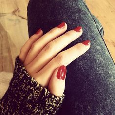 #girl #girlthings #everything #people #photooftheday #honey#xoxo #swater #nails #red #gold #black