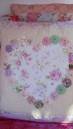 Designed and made by Linda for Lilly Cottage  COULD BE MADE INTO A BEAUTIFUL QUILT TOO, WITH LG YOYOs