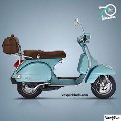 Piaggio Vespa celebrates anniversary with three limited edition models. The Vespa Settantessimo GTS, Primavera and PX In US and Europe… Scooters Vespa, Piaggio Vespa, Lambretta Scooter, Scooter Motorcycle, Motor Scooters, Lml Vespa, Vespa Models, Vespa Px 200, Vespa Retro