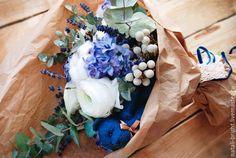 Купить Бело-синий букет из живых цветов Винтаж - букет из живых цветов, букет из цветов