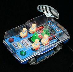 Masudaya Battery Operated 'Lunar Transport'. Vintage Tin Tinplate Toy. Made In Japan. c. 1970. Pic. 2.