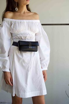 Structured belt bag in vegetable tanned leather. Adjustable belt style strap and loop buckle. Full suede interior with magnet closure. The Things They Carried, Vegetable Tanned Leather, Bell Sleeve Top, Belt, How To Make, Outfits, Black, Tops, Women