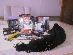 ♫•*❤Rock N Roll Make-Up Auction❤♫•*