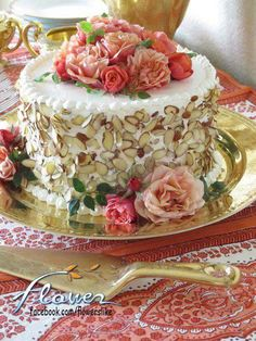 This would be so cute for a Ladies Tea~ A rich vanilla cake with almond buttercream would be perfect~