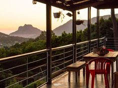 Farries I - Farries I is situated on the southern slopes of Table Mountain, one of the 7 Wonders of Nature, in scenic Hout Bay on the Atlantic Seaboard. The house has four bedrooms and one self-contained flatlet. ... #weekendgetaways #houtbay #capemetropole,peninsula #southafrica