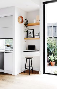 Combine a floating bench with timber floating shelves. Photo: Annette O'Brien / bauersyndication.com.au