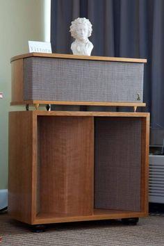 Image result for klipsch horn Horn Speakers, Audio Speakers, Diy Bluetooth Speaker, Audio Design, Loudspeaker, Audio Equipment, Audiophile, Box, Theatre