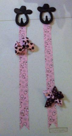 DIY bow holder - western style