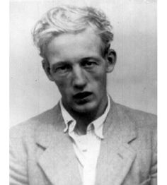 John Thomas Straffen was a British serial killer who was the longest-serving prisoner in British legal history. Straffen killed two young girls in the summer of He was found to be unfit to plead and committed to Broadmoor; during a brief escape in 1 John Thomas, John Wayne, Psychiatric Hospital, Insane Asylum, Evil People, Two Girls, Criminal Minds, Serial Killers, Crime
