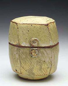 Stoneware box by master potter Warren MacKenzie Ceramic Boxes, Ceramic Jars, Ceramic Clay, Ceramic Pottery, Pottery Art, Earthenware, Stoneware, Slab Boxes, Warren Mackenzie