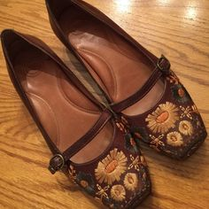 Nurture brand leather shoes Excellent condition Nurture brand leather shoes with beautiful embroidery on toes. Cute Mary Jane style. Super comfortable padded footbed. Smoke/pet free home. Nurture Shoes