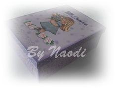 Caixa organizadora, com decoupagem e carimbos