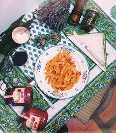 """""""Si sois apasionados de la pasta, os recomiendo tooodaas las salsas de www.estilokiki.com están increíbles y son artesanas !!! ⭐️ #gourmet #madeinspain…"""""""