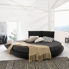 eu.Fab.com | Miami Round Bed Black