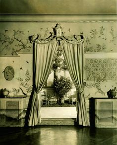 Condé Nast's Park Avenue apartment, designed by Elsie de Wolfe, c. 1926-1928 #GISSLER #interiordesign