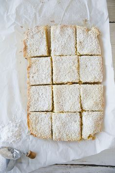 MOM'S LEMON BARS //