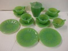 VINTAGE Akro GREEN JADITE Glass Child's Doll Toy Coffee Tea Pot 14 PIECES