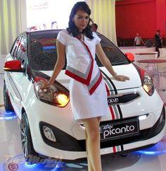 Picanto Primadona Kia di IIMS #BosMobil #IIMS2013