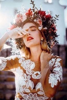 [New] The 10 Best Photography Today (with Pictures) - Visit store for FRIDA/Art clothings & accessories - . Green Wedding, Chic Wedding, Wedding Styles, Party Wedding, Wedding Hair, Wedding Engagement, Floral Headpiece, Bridal Shoot, Wedding Photoshoot