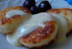 Minkšti varškės blyneliai, Ingredientai 600 g varškės 5 proc. riebumo 1 kiaušinis 4 šaukštai cukraus mėgstantiems saldžiai 3 šaukštai