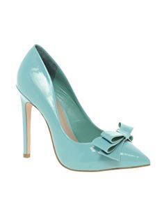 not sure if I love the pointy toe but oh lala!