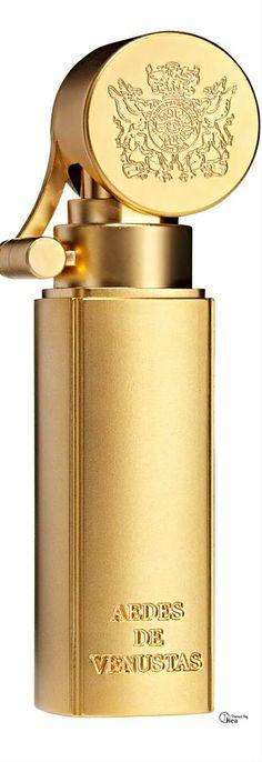 Aedes de Venustas travel spray perfume