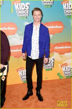 Calum Worthy Goofs Around on the Kids Choice Awards 2016 Orange Carpet: Photo #940716. Calum Worthy looks sharp while on the orange carpet at the 2016 Kids' Choice Awards held at The Forum in Los Angeles on Saturday afternoon (March 12).    The 25-year-old…