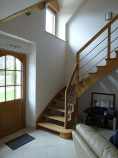 1000 images about escalier on pinterest google bretagne and metals for Amenagement escalier interieur