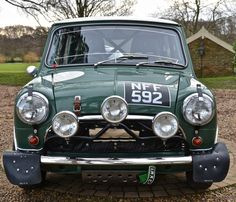 Looking for the Austin Mini of your dreams? There are currently 9 Austin Mini cars as well as thousands of other iconic classic and collectors cars for sale on Classic Driver. Classic Mini, Classic Cars, Mini For Sale, Mini Sales, Austin Mini, Vw Pickup, Automobile, Advanced Driving, Mini Clubman
