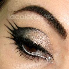 Love this eyeliner!