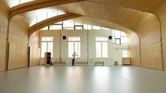 Siobhan Davies aims to find ways to fuse dance with other disciplines. Her London studios provide a stunning example of a fruitful fusion between dance and architecture Siobhan Davies founded Siobh… Dance Studio Design, Modern Minimalist Wedding, Studio Interior, Croydon, My Dream, Studios, Architecture, Inspiration, Journey