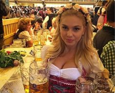 Oktoberfest Party, Beer Maid, Beer Girl, Great Inventions, Digital Art Girl, Latest Fashion For Women, Beauty Women, Fit Women, Lady