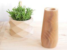 Pot / Cache Pot géométrique / Low poly en bois , parfait pour plantes grasses et cactus / cactées