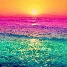 虹色の海の画像 プリ画像