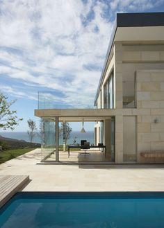 Design contemporain pour une maison de bord de mer